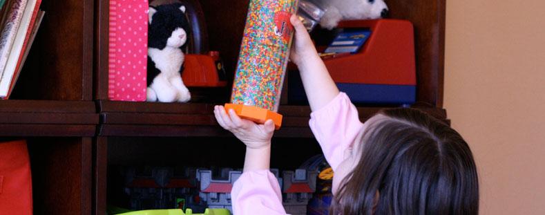 children-cleaning-shelf