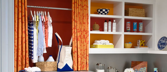 Cheery laundry room by Jeff Johnson. Source: Houzz.
